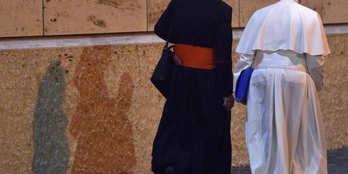 Dos nuevos libros denuncian excesos del Vaticano