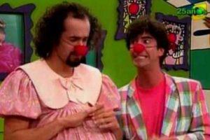 """""""Pataclaun"""" fue un popular programa de clown y comedia que se transmitió en Frecuencia Latina de 1997 a 1999. Contaba la historia del matrimonio de """"Wendy"""" y """"Machín"""" en una casa habitada por tres fantasmas. Foto:vía Frecuencia Latina. Imagen Por:"""