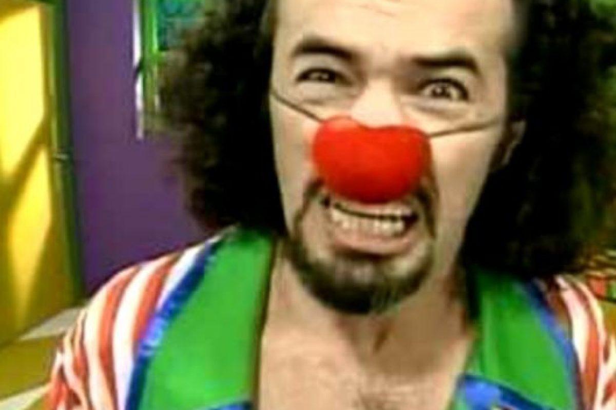 """Carlos Alcántara era """"Machín"""", el tonto, golpeador y bruto esposo de """"Wendy"""". Foto:vía Frecuencia Latina. Imagen Por:"""