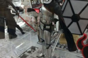 """Capitán Phasma"" figura de acción tamaño real Foto:The Disney Store. Imagen Por:"
