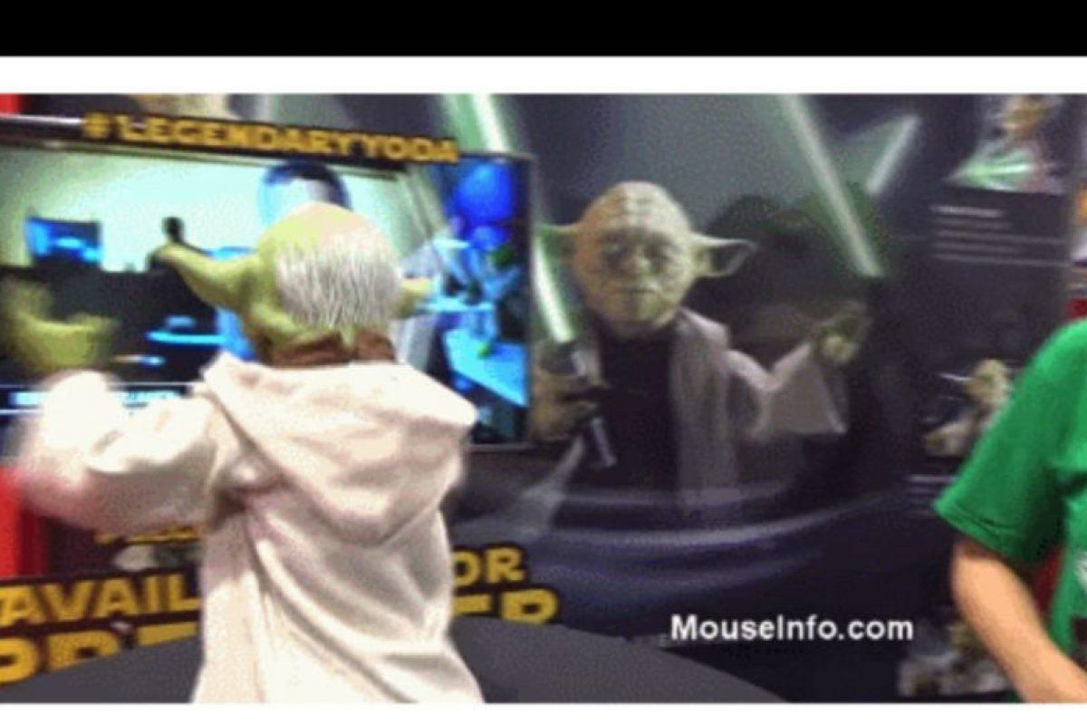 "Legendaria figura interativa de ""Yoda"" Foto:Spin Masters. Imagen Por:"