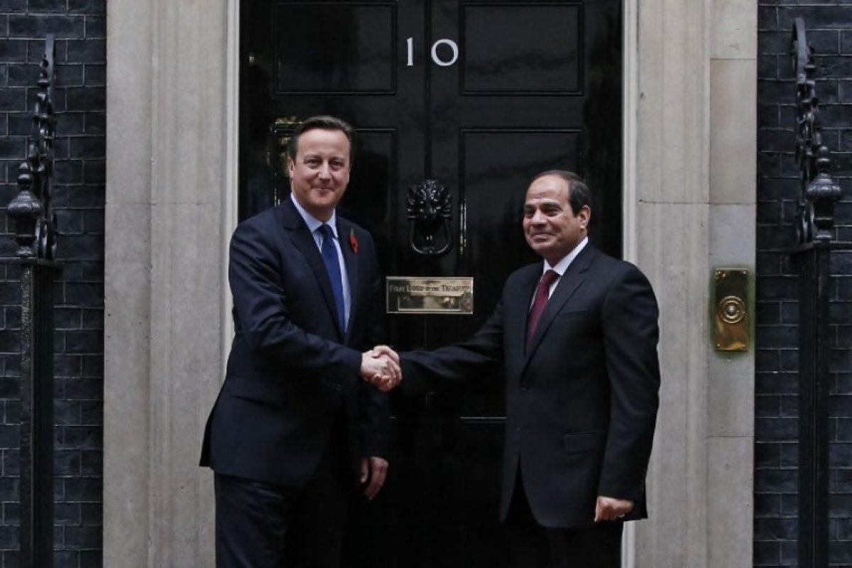 El primer ministro británico, David Cameron, recibió en Londres al presidente de Egipto, Abdelfatah al Sisi Foto:AFP. Imagen Por: