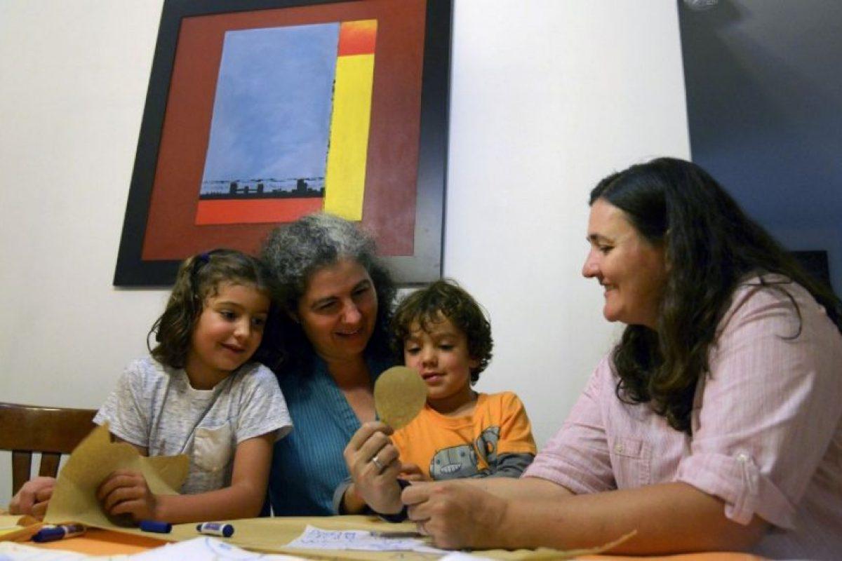 La Corte Constitucional de Colombia aprobó este miércoles la adopción igualitaria, entre personas del mismo sexo. Foto:AFP. Imagen Por: