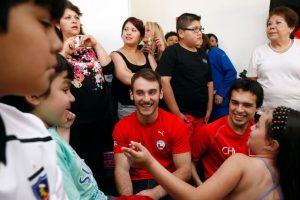 El joven atleta chileno, Tomás González, recibió $80 millones de parte de Farkas Foto:Agencia Uno. Imagen Por: