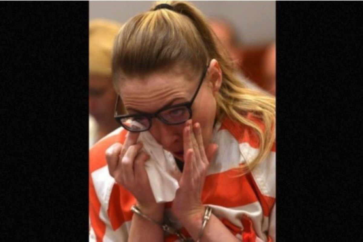 Recibió una condena de dos a 30 años de prisión por tener sexo con tres de sus alumnos que tenían entre 16 y 17 años de edad Foto:AP. Imagen Por: