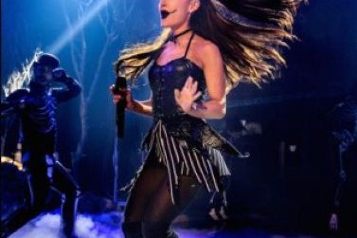 La cantante estuvo a punto de recibir un fuerte golpe durante su último recital. Foto:Getty Images. Imagen Por: