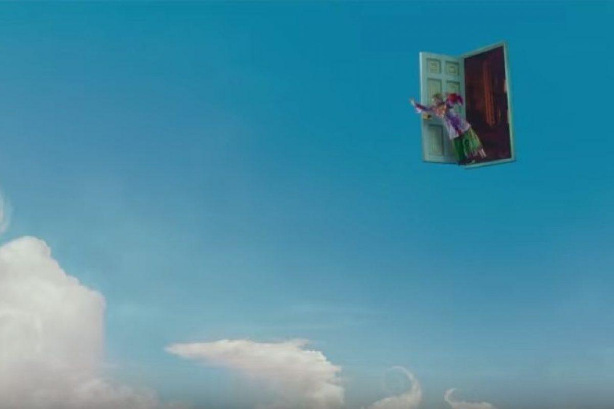"""""""Alicia a tráves del Espejo"""" es una cinta basada en la novela de Lewis Carroll Foto:Disney. Imagen Por:"""