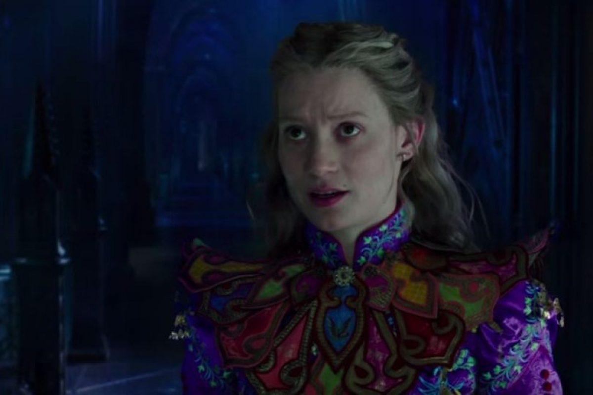 "Mia Wasikowska es ""Alicia Kingsleigh"" Foto:Disney. Imagen Por:"