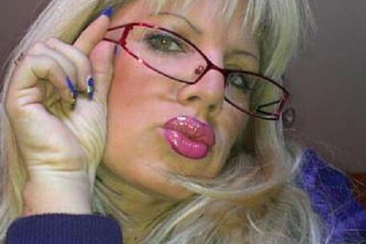 Suzana Alar, de 47 años. Denuncia que las fotos fueron hechas con photoshop Foto:Twitter.com. Imagen Por:
