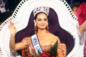 Lupita Jones ganó Miss Universo en 1991. Foto:vía Getty Images. Imagen Por: