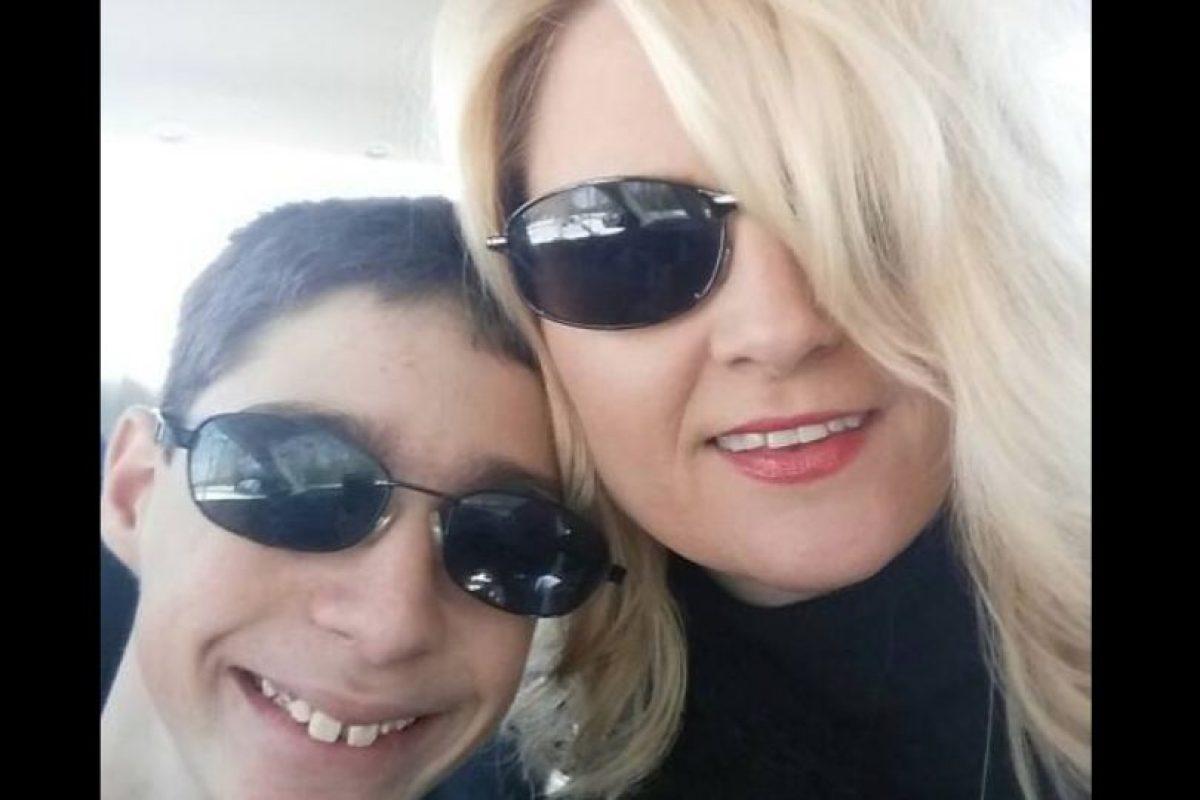 Rene Hoover es la madre de Alex. Foto:Vía facebook.com/rene.hoover. Imagen Por: