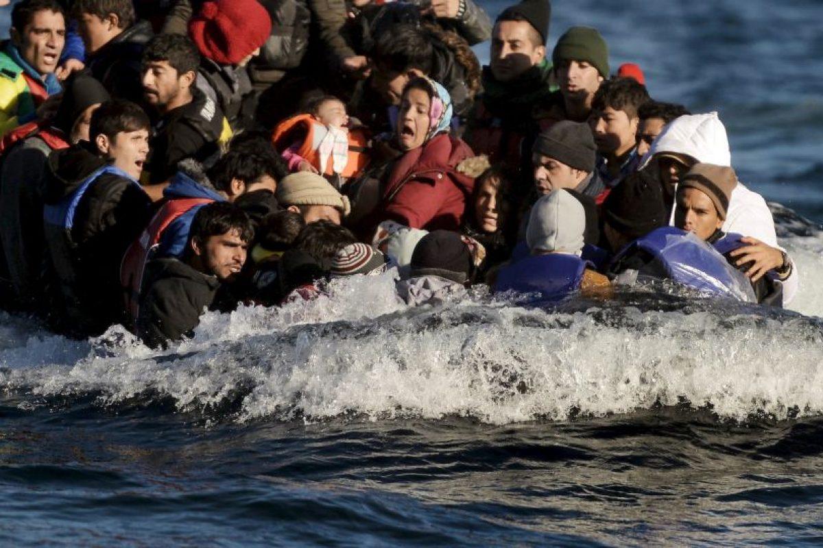 Refugiados y migrantes llegan a la isla griega Lesbos. Foto:AFP. Imagen Por: