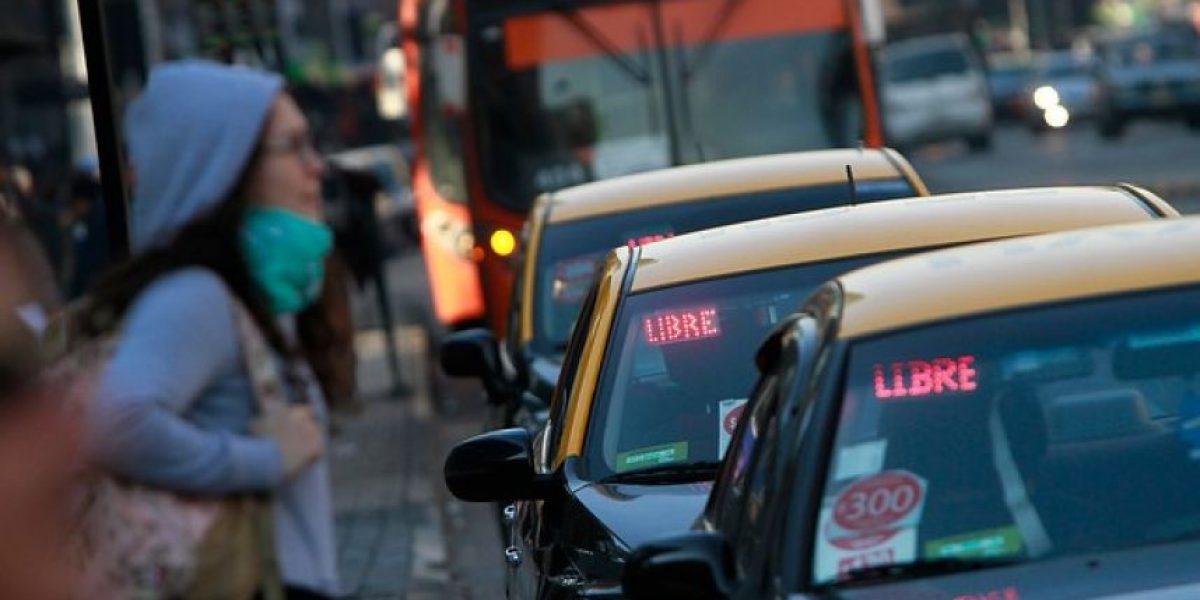 Gobierno inicia entrega de clave única para taxis en la RM
