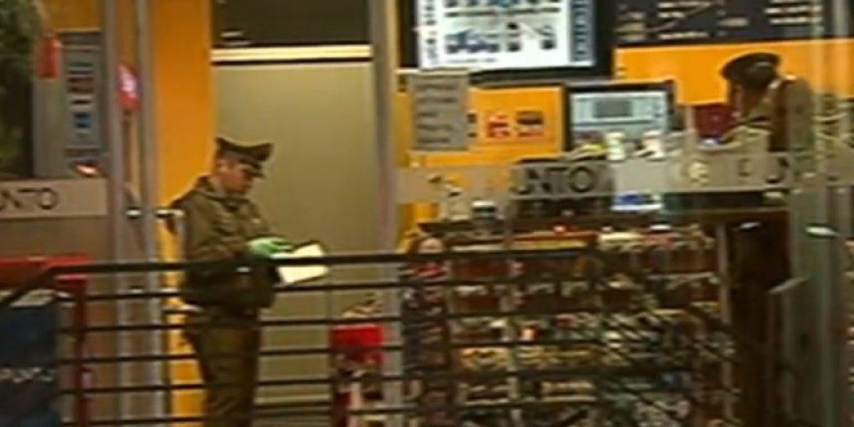 Robo a estación de servicio en Quinta Normal termina con un trabajador baleado