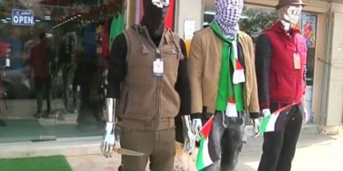 """Gaza: La tienda """"Hitler"""" expone maniquíes terroristas"""