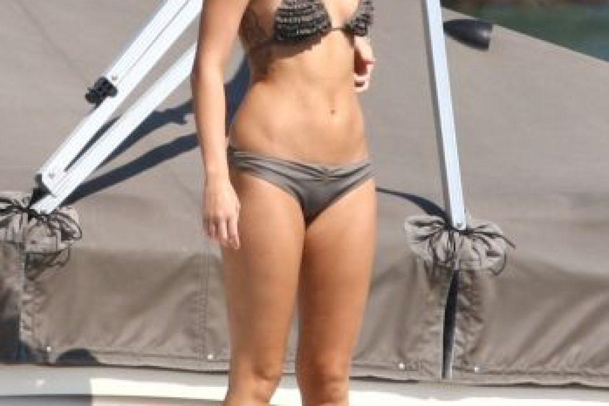 """""""Ese año (2009) la prensa filtró fotos mías en bikini y me criticaron por estar rellenita… tengo mis defectos, soy una chica normal, hay cosas que no puedo cambiar, así que dejen de llamarme gorda"""", recordó en una entrevista con la revista """"Elle"""". Foto:The Grosby Group. Imagen Por:"""