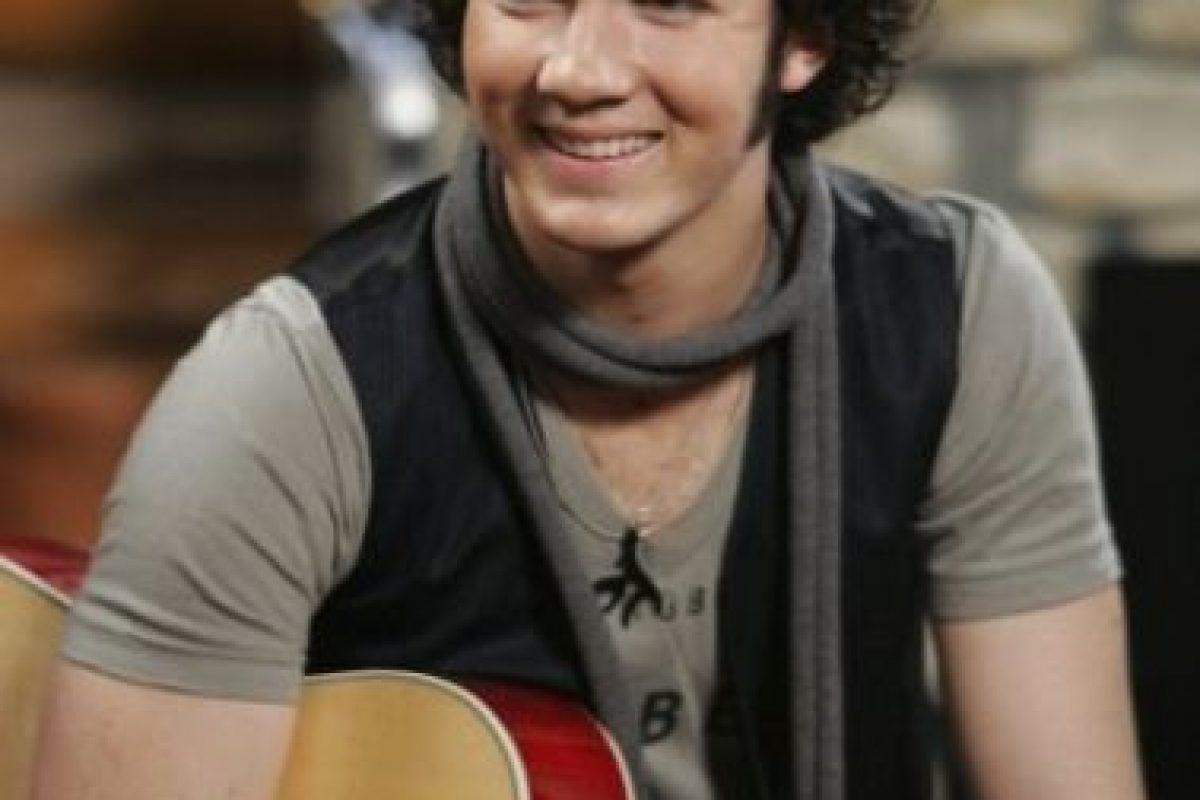 """El mayor de los Jonas le dio vida a """"Jason"""", el baterista de """"Shane Grey"""". Foto:Disney. Imagen Por:"""
