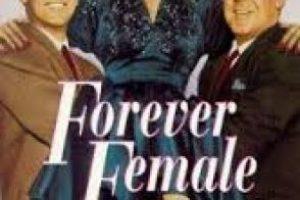 Una actriz mayor se niega a admitir que es demasiado vieja para jugar el papel de ingenua una vez más. Foto:The Paramount Vault. Imagen Por: