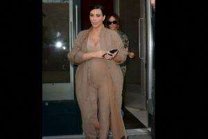"""O por este enterizo tipo """"El Pingüino"""" de la colección de Kanye. Foto:vía Getty Images. Imagen Por:"""