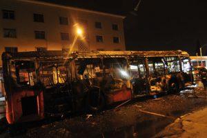 La imagen del bus quemado. Foto:Agencia Uno. Imagen Por: