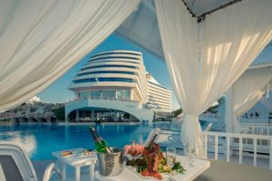 """""""Titanic Beach Lara"""" es el nombre del hotel turco que ha recreado el aspecto del crucero que se hundió en 1912. Foto:The Grosby Group. Imagen Por:"""