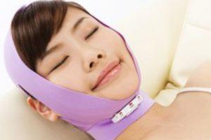 Este invento pretende combatir la flacidez en las mejillas. Foto: japantrendshop.com. Imagen Por: