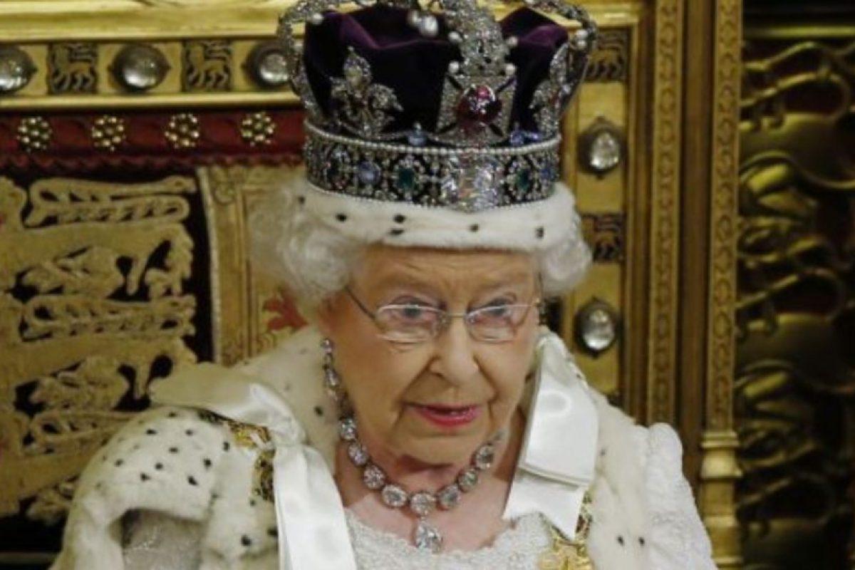 La Reina Elizabeth II de Inglaterra, quien gobierna desde 1952. Foto:Getty Images. Imagen Por: