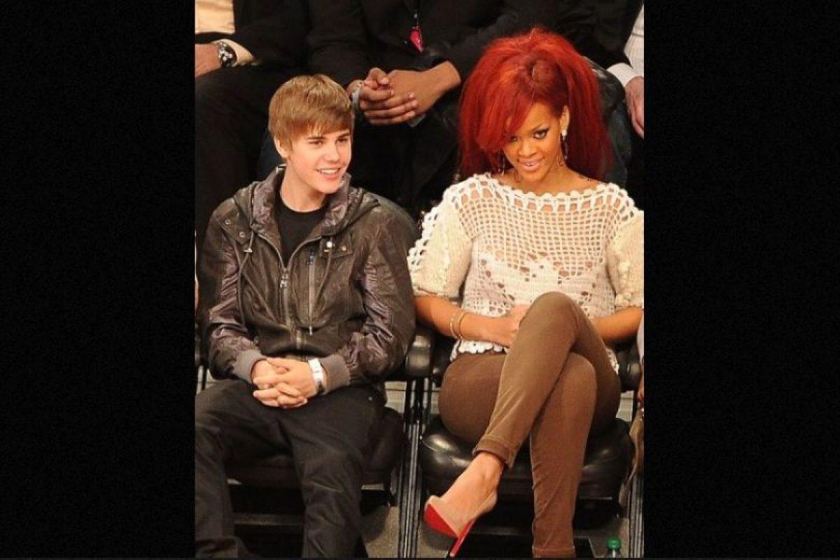 2. Justin publicó una foto de Rihanna que casi al instante la borró, lo cual puso en duda si este tenía un romance con ella e, incluso, muchos llegaron a decir que eso era una tremenda provocación a Selena Gómez. Foto:Getty Images. Imagen Por: