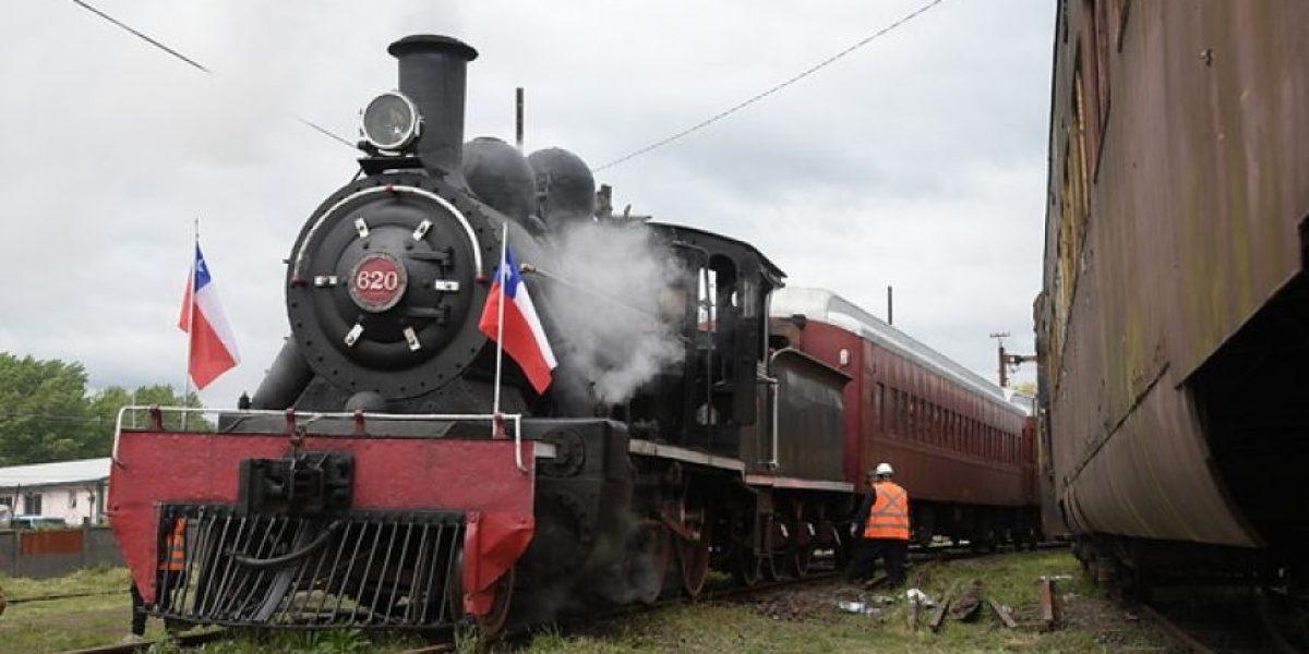 Presidenta abordó tren