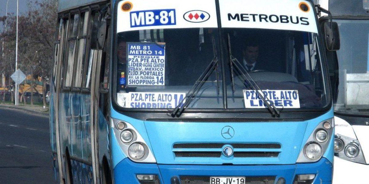 ¿Vuelven los Metrobus? Debaten posibilidad de que Metro opere buses de Transantiago