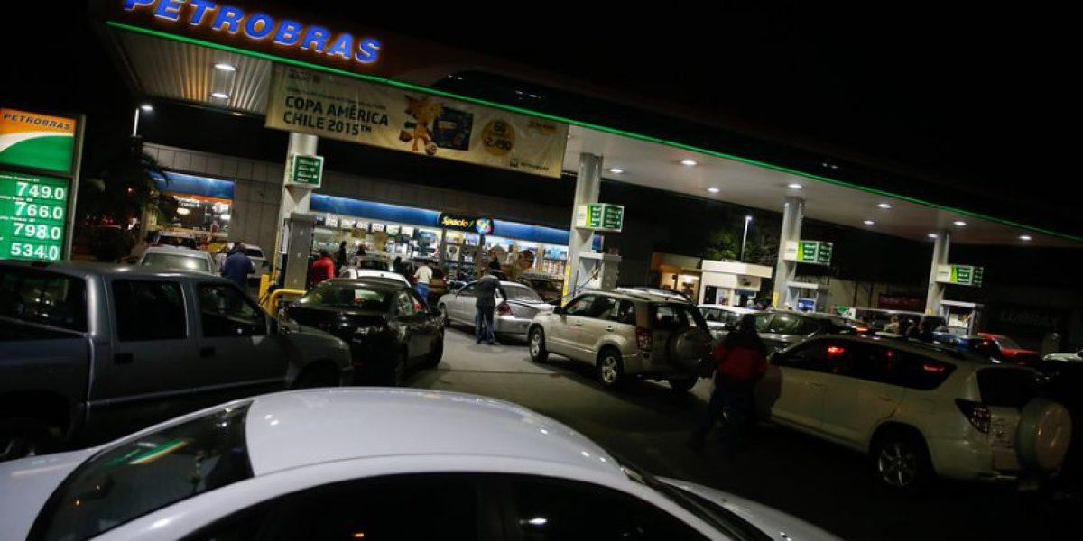 Maipú: banda de 15 personas asalta servicentro en Ciudad Satélite