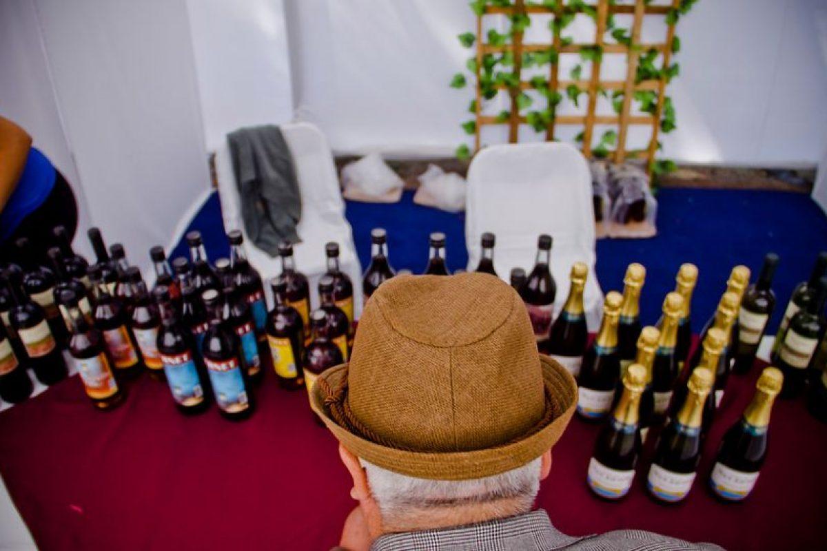 Datos fácticos: Chile es el país de América Latina con mayor consumo de alcohol per cápita, con 9,6 litros anuales, según la Organización Mundial de la Salud (OMS) Foto:Agencia Uno. Imagen Por: