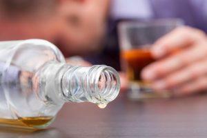 5- El alcohólico se siente ansioso si no ha probado alcohol durante el día Foto:Agencia Uno. Imagen Por: