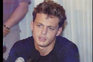 """En 1992 murió su padre. Ya había grabado su álbum """"Romance"""", junto con Armando Manzanero. Foto:Luismiguel.net. Imagen Por:"""