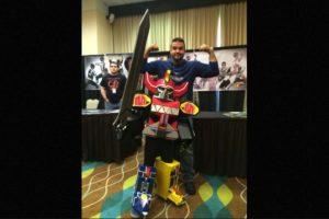 """Hoy en día, el actor se dedica a vender mercancía del """"Power Ranger"""" rojo y asiste a convenciones para convivir con los fans. Foto:Facebook/AustinSTJohn. Imagen Por:"""
