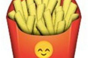 Podrían parecer unas papas fritas normales, pero en el empaque tiene un emoji de un rostro que simboliza felicidad. Foto:Pinterest. Imagen Por: