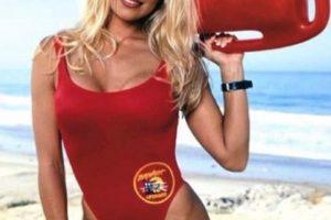 """Es conocida por interpretar a la salvavidas """"C.J. Parker"""" en la serie de televisión """"Baywatch"""" Foto:vía instagram.com/pamelaanderson. Imagen Por:"""