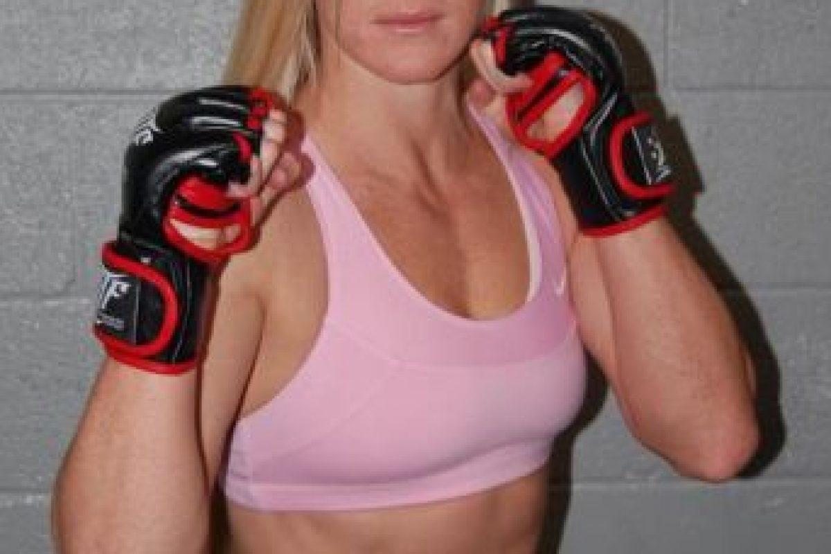 En las artes marciales mixtas tiene un récord de nueve victorias y 0 derrotas Foto:hollyholm.com. Imagen Por: