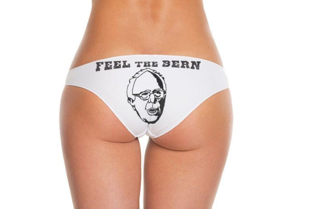 En ambos aparece el dibujo del precandidato. Foto:BerniesBriefs.org. Imagen Por: