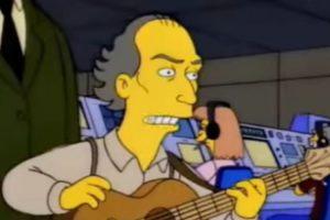 """2- """"Homero en el espacio profundo"""" (5×15): Ahí, James Taylor, el artista dice: """"Hormigas, tuvimos problemas con ellas en Viña del Mar. Art Garfunkel sacó su compresora de aire. Creamos un vacío total fuera de la casa y volamos a las hormigas de la puerta, pero obviamente en la NASA se ríen de nuestros métodos…"""" Foto:Captura Youtube. Imagen Por:"""