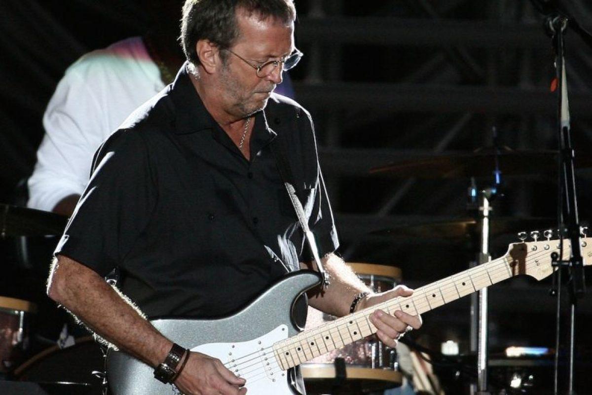 El famoso guitarrista también padece tinnitus, incluso ha declarado que sus oídos están arruinados por exponerlos a sonidos extremadamente fuertes durante conciertos. Foto:Getty Images. Imagen Por: