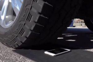 1- iPhone 6s fue puesto a prueba. Foto:Unbox Therapy / YouTube. Imagen Por: