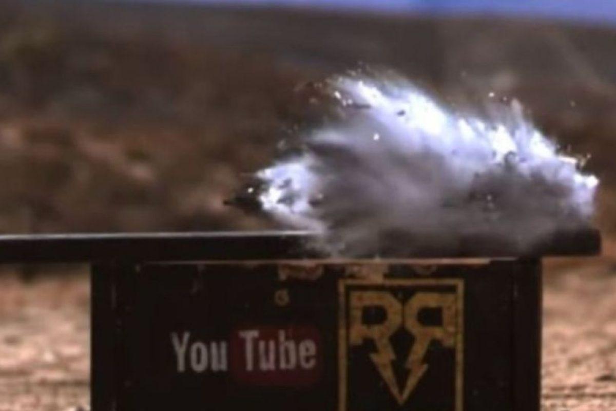 11- Se destruyó con un impacto de bala. Foto:FullMag / YouTube. Imagen Por: