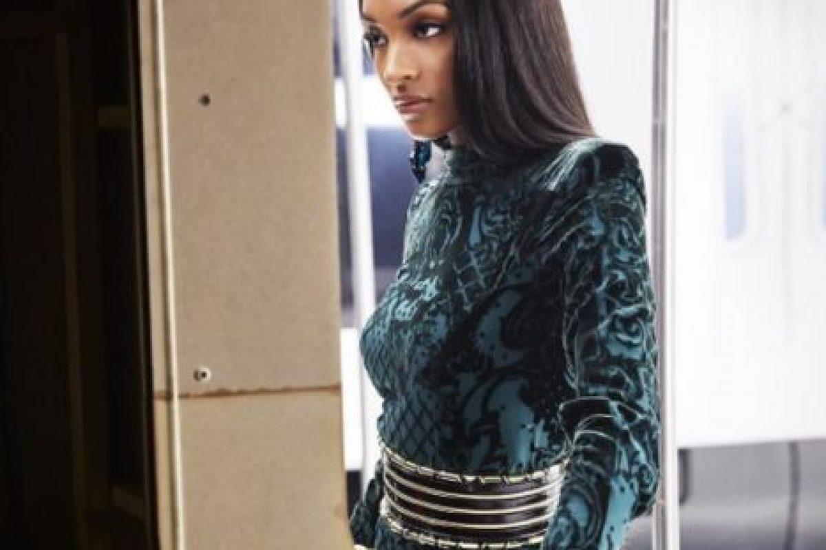 """""""Me siento mucho mejor sobre lo de no desfilar para BS… perdón, me refiero a VS, ahora que sé que Rihanna no va a participar también"""", comentó en su cuenta de Twitter. Foto:vía instagram.com/officialjdunn. Imagen Por:"""