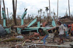 El tifón Haiyan o Yolanda el 2 de noviembre de 2013. Uno de los ciclones tropicales más intensos en la historia moderna. Mató a 6 mil 300 personas. Foto:Getty Images. Imagen Por: