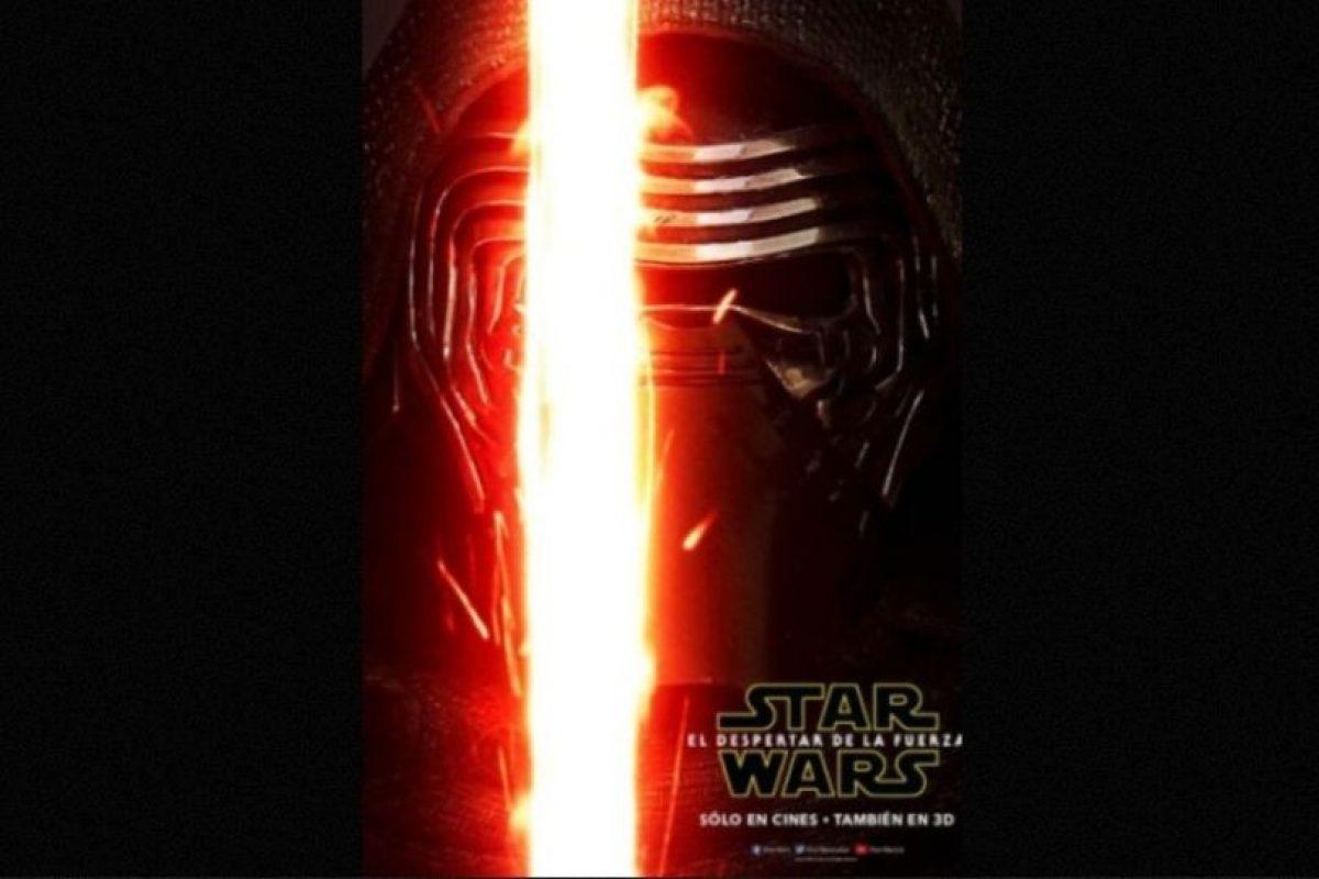 """""""Kylo Ren"""", el villano de Adam Driver, en nuevo póster de """"Star Wars: The Force Awakens"""". Foto:Facebook/StarWars.LATAM. Imagen Por:"""