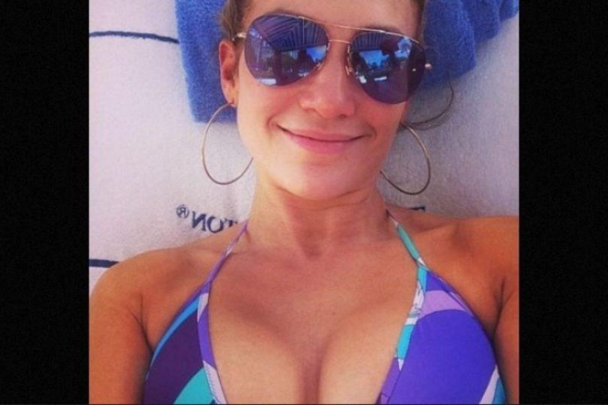 Protector solar: Jennifer ha dicho en varias ocasiones que no sale a la calle sin aplicar antes protector solar, tanto en invierno como en verano, pues el sol envejece mucho Foto:Instagram/jlo. Imagen Por: