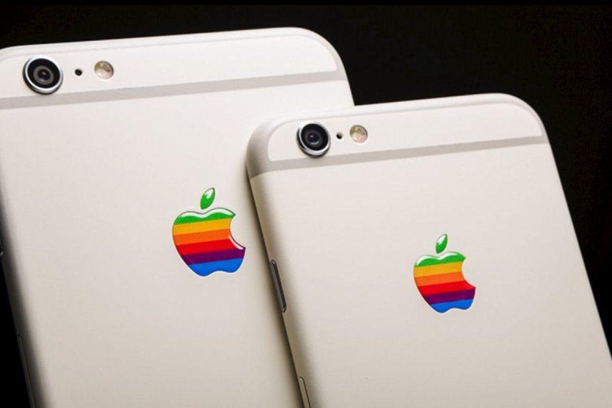 iPhone 6s y iPhone 6s Plus al estilo del Apple IIe. Foto:vía colorware.com. Imagen Por: