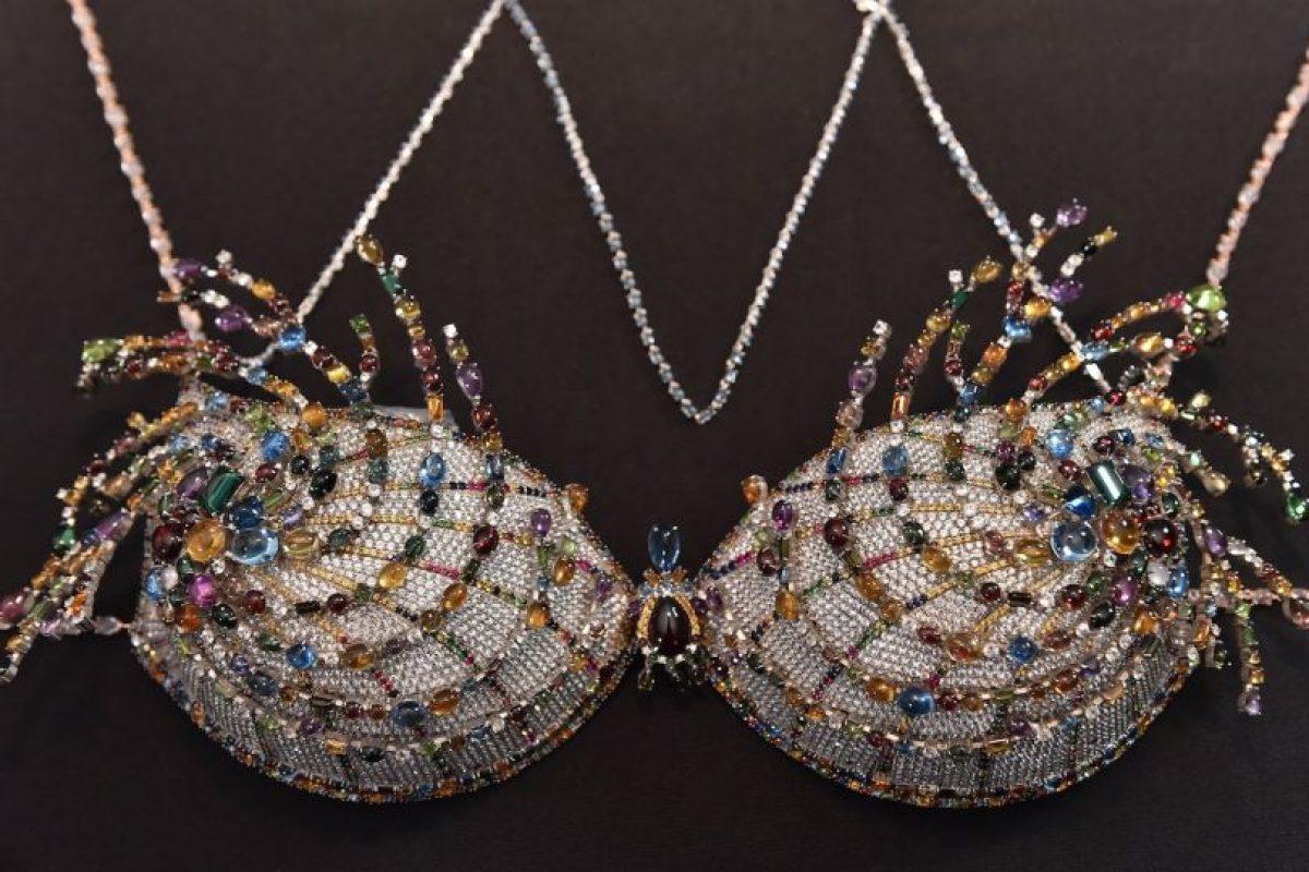 Cada año, la marca presenta piezas de lujo como este sostén. Foto:Getty Images. Imagen Por: