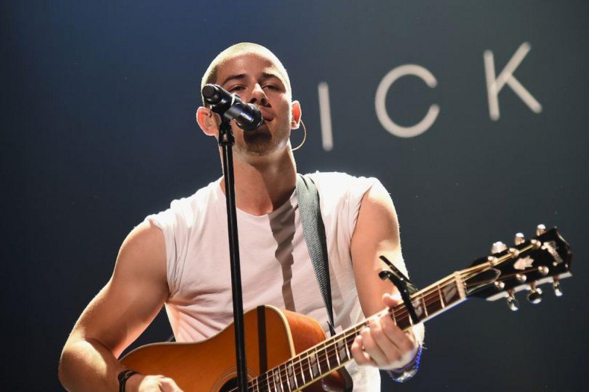 El cantante está convencido de haber visto tres ovnis cuando se encontraba en el jardín trasero de su casa. Foto:Getty Images. Imagen Por: